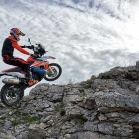 KTM 790 ADVENTURE R RALLY - Action-1