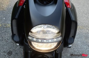 front view of the headlight on the Ducati Diavel Carbon