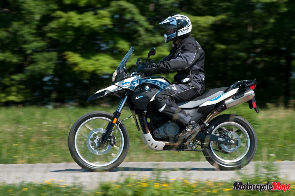 Awe Inspiring Bmw G650Gs Sertao Test Drive And Motorycle Review Inzonedesignstudio Interior Chair Design Inzonedesignstudiocom