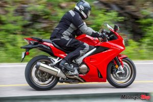 Road test 2014 Honda vfr800f