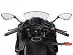 17_EX650K_GN1_Rider_POV_US_R