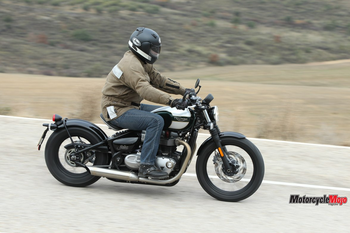 2017 triumph bonneville bobber review and test ride motorcycle mojo magazine. Black Bedroom Furniture Sets. Home Design Ideas