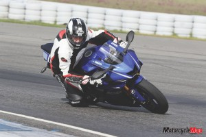 Riding a 2017 Yamaha R6