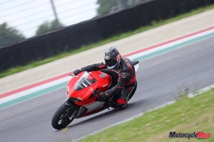 Riding the Ducati 1299 Superleggera