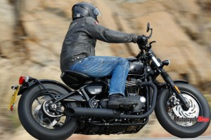 Highway Riding on the 2018 Triumph Bobber Black
