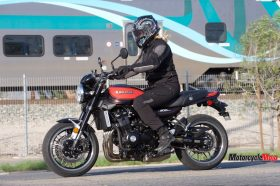 Driving Past A Train On The 2018 Kawasaki Z900RS SE
