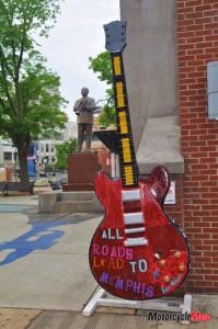 Large Guitar in Arkansas